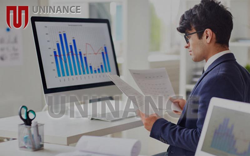 بررسی اهمیت شغل تحلیلگر مالی و کسب درآمد از آن